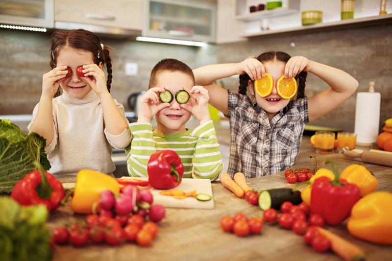 7 راه برای گنجاندن میوه و سبزی بیشتر در رژیم غذایی کودکان » سلامت |  SALAMAT.IR